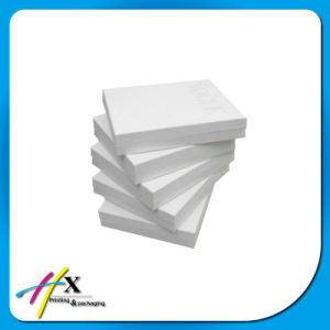 Luxury Lid Type Rigid Paper White Clothing Packaging Gift Box pictures & photos