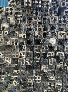 American Exhibision Post Aluminium Alloy Extrusion Profile for Door and Window pictures & photos