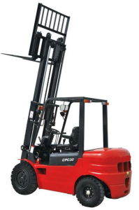 Cpcd30 Diesel Forklift Truck of 3t pictures & photos