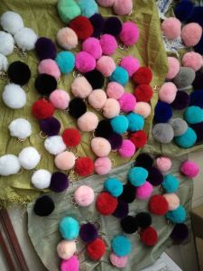 Handmade Colored Real Rabbit Fur POM POM pictures & photos