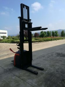 Full Electric Hydraulic Stacker with High Quality pictures & photos