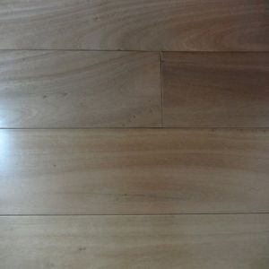 UV Lacquered Solid Blackbutt Timber Floor pictures & photos