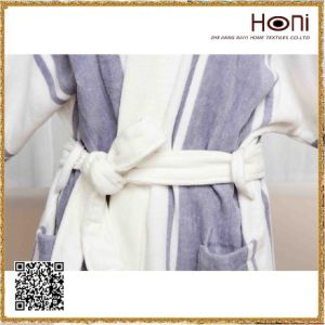 Newest Design Comfort Wholesale Bathrobe pictures & photos