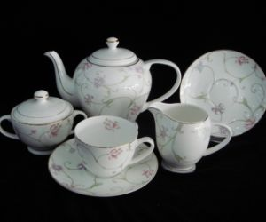 Fine Bone China Tea Sets