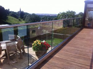 Handrail Railing Outside U Channel Aluminium Glass Rail pictures & photos