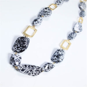 New Design Sprayed Fashion Beads Necklace Fashion Accessories pictures & photos