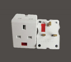New 13A Plug Travel Adaptor with Fuse pictures & photos