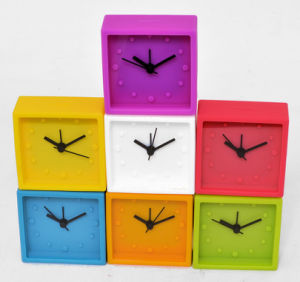 Fashion Lovely Square Silicone Analogue Quartz Table Alarm Clock pictures & photos