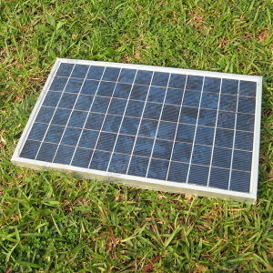 Poly 12V 15W Solar Panel for Solar Garden Light pictures & photos