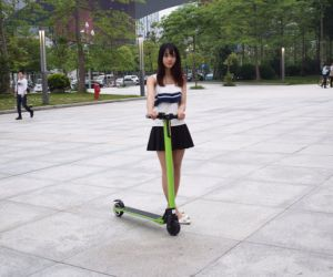 China 250W Brushless Motor Folded Drifting Electrical Scooter pictures & photos