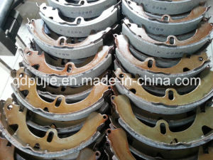 Auto Accessories K2288 04494-12080 Brake Shoe for Toyota Corolla (PJABS021) pictures & photos