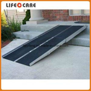 Aluminum Auto Parts Wheelchair Ramp pictures & photos
