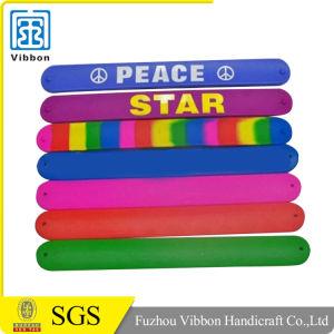 Wholesale Cheap Price Reflective Slap Bracelet Silicone pictures & photos