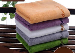 100% Cotton Embroidery Bath Towel for Hotel pictures & photos