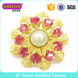 Factory Fancy Gold Rhinestone Crystal Brooch for Women pictures & photos