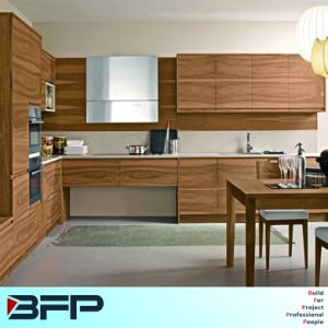 Chinese Manufaturer Customized Home Furniture Kitchen Cabinets for Apartment pictures & photos