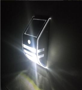 2017 New Products LED Solar Wall Light with IP44 pictures & photos