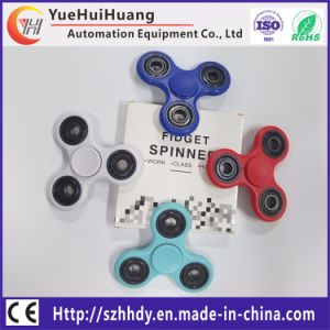 2017 New Tri-Spinner Finger Toy Plastic Hand Spinner pictures & photos