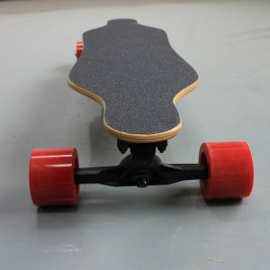 Cross-Street 4 Wheel Electric Longboard Skateboard with Remote Control pictures & photos
