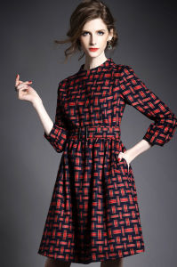 Customize Women′s British Retro Red Plaid Printed in Long Dress