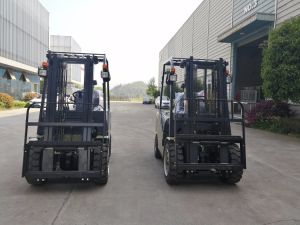 Un New N Series 2.0 Ton 2000kg Diesel Engine Triplex Mast Forklift pictures & photos