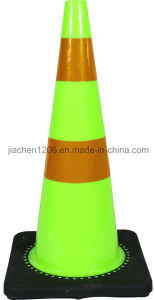 Jiachen Factory Wholesale Green Traffic Cone with Heavier Black Base pictures & photos