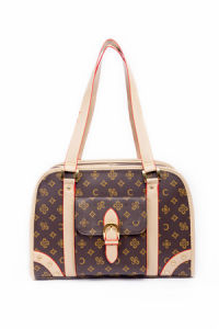 Design Classic Royal Quality Leather Grid Hand Pet Carriers pictures & photos