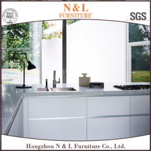 Modern Home Furniture White High Gloss Lacquer Wood Kitchen Cabinet pictures & photos
