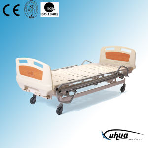 Three Cranks Mechanical Medical Adjustable Patient Bed pictures & photos