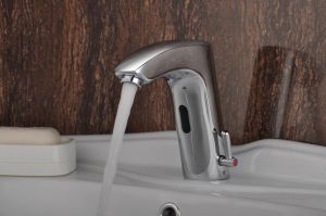 Deck Mounted Electric Automatic Infrared Tap with Good Performance pictures & photos
