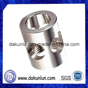 CNC Auto Lathe Spare Part Made in China pictures & photos