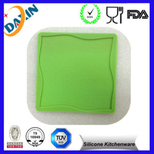 Fashionable Silicone Mold for Candy/Silicone Ice Cube Tray/Silicone Cake Mould pictures & photos