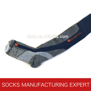 Professional Thermolite Ski Sock for Skating pictures & photos