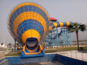 Medium Tornado, Special Fiberglass Water Slide for Water Park pictures & photos