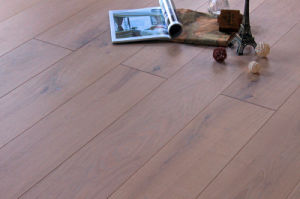 Nice Color Oak 3 Layer Wooden Flooring Lyst-015 pictures & photos