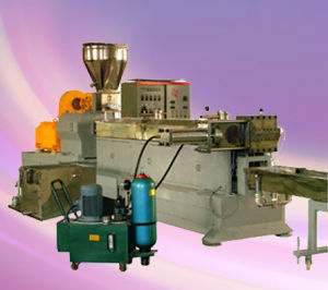 Twin Screw Extruder, 600rpm, High Output: 550-1000kgs/H, Motor: 110-132kw Plastic Extruder. pictures & photos