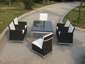 Garden Furniture Table and Chairs pictures & photos