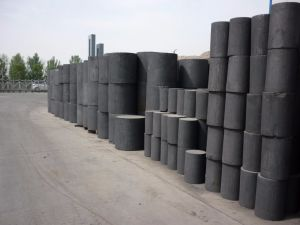 Density 1.68g Extrusion Crude Quality of Graphite Round Rod pictures & photos
