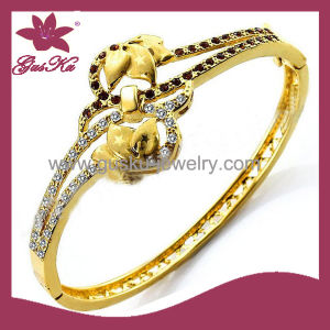 Fashion Jewelry Beautiful Gold Jewelry Bangle (2015 Gus-Cpbl-094G) pictures & photos