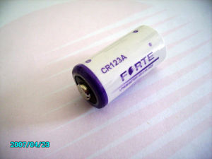 Cr2 Cr123A Lithium Battery with SGS, CE, Msds Certificates (CR123A CR17335)