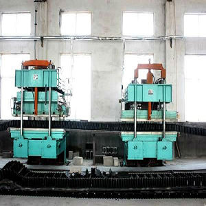 Rubber Belt Press/Conveyor Rubber Belt Making Machine pictures & photos