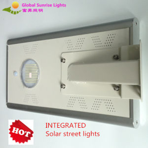 High Quality Green Power LED All in One Solar Street Light, 70W Solar Lamp pictures & photos