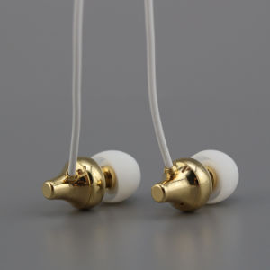 Hot Selling New Sport Stereo Super Bass in-Ear Earphone pictures & photos