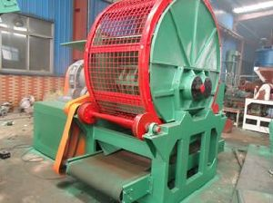 Waste Tyre Shredder Zps-900/Waste Tyre Recycling Line pictures & photos