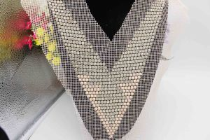 Wholesale Rhinestone Applique Beaded Pearl Collar Neckline Motif (TA-017) pictures & photos