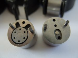 Common Rail Injector Parts Orginal Delphi 9308-622b Control Valve pictures & photos
