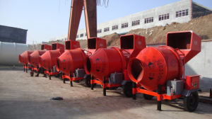 Wire Rope Hoisting Tipping Hopper Diesel Water Cooling Engine Concrete Mixer pictures & photos