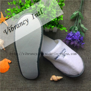 High Quality New Design Hotel Slippers pictures & photos