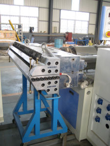 Plastic PVC Free Foam Sheet/Board Extrusion Extruder Extruding Machine pictures & photos