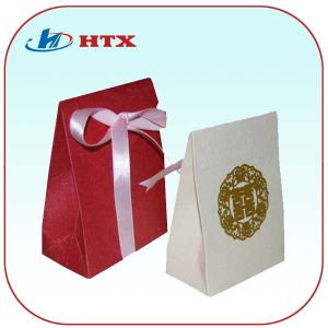 White and Red Kraft Paper Gift Bag